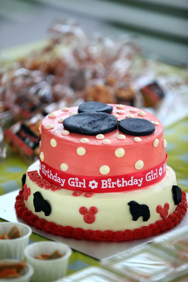 Request for a Minnie Theme cake and they made it :D